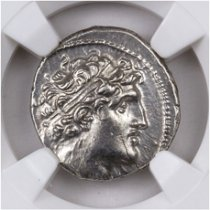 Seleucid Kingdom, Silver Drachm of Alexander I (152-145 BC) - obv. Bust/rv. Apollo on Omphalus NGC Ch. AU